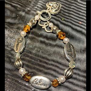 """Jewelry - Dream, Believe, Achieve Silver clasp 8"""" Bracelet."""